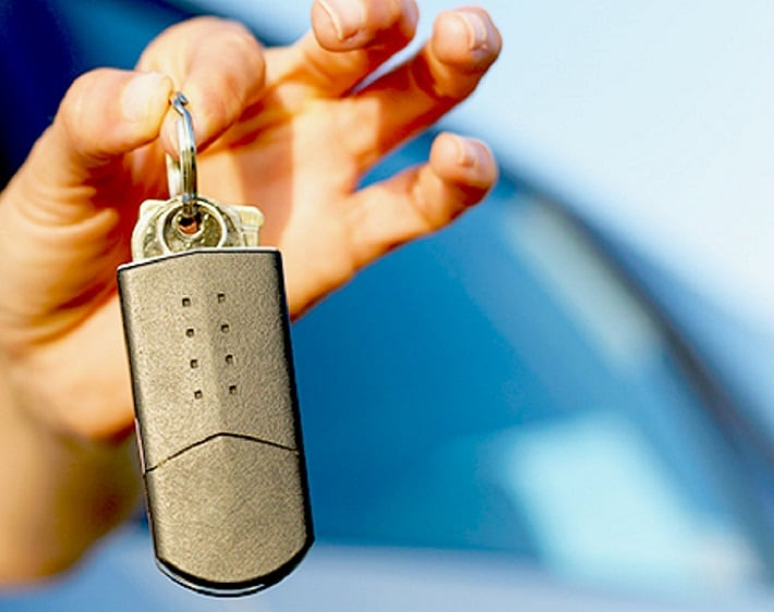 Five Gadgets Every Young Driver's Car Should Have, and Two They Shouldn't