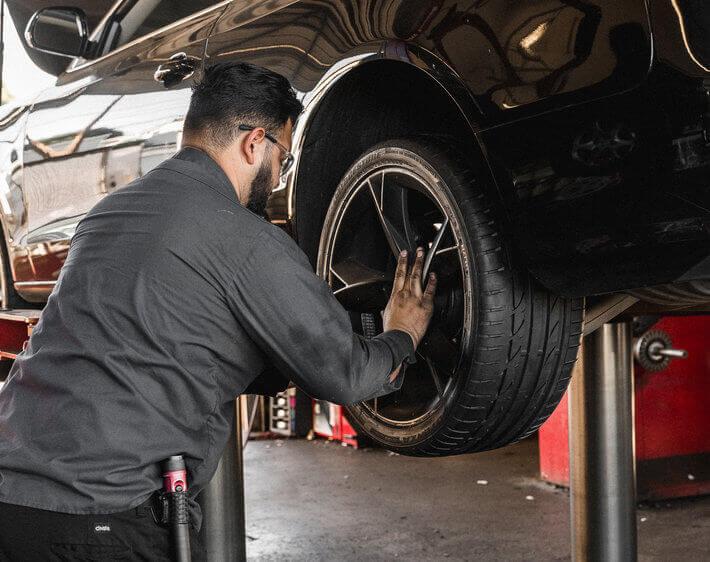 我多久需要一次轮胎旋转?