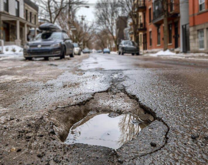 4 Signs Your Car Needs Pothole Damage Repair