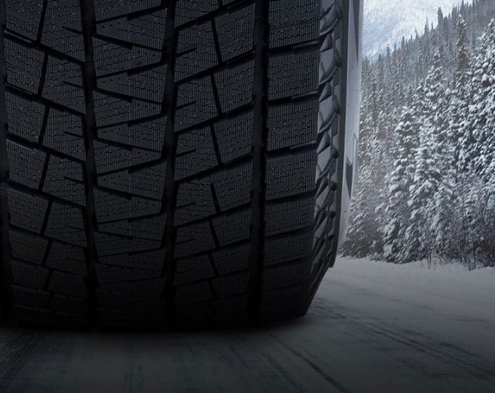 Blizzak雪轮胎胎面特写镜头