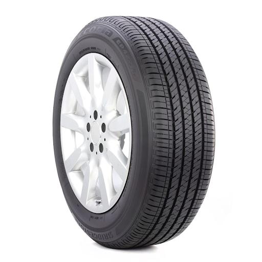 Symmetrical tire tread